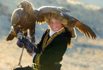 Eagle Hunter Girl small